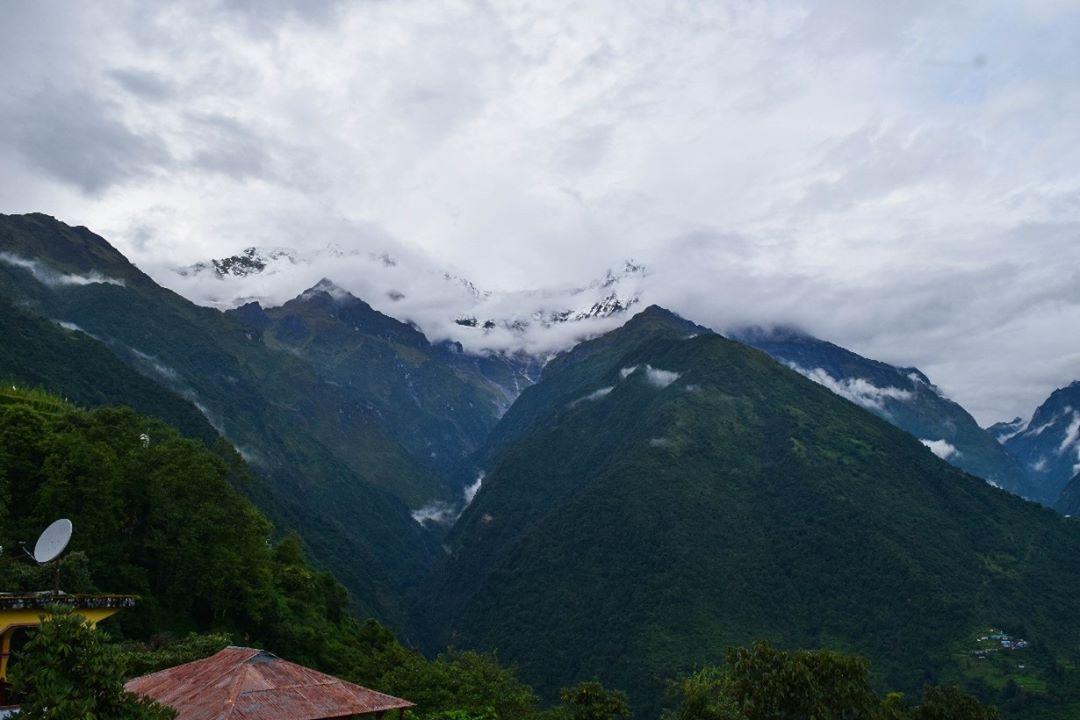 চমরং অন্নপূর্ণা বেস ক্যাম্প ট্রেক Annapurna base camp Trek