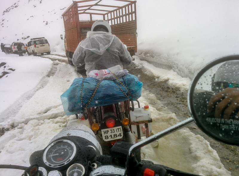 Snow storm stuck at khardungla india